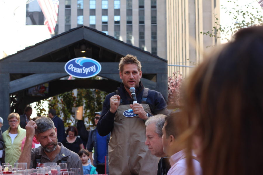 Ocean Spray and Curtis Stone Thanksgiving with The Frosted Petticoat 16 - Curtis Stone & the Ocean Spray Bog