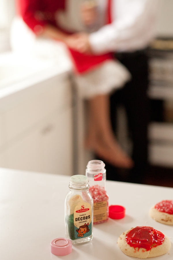 Retro holiday cookie baking couple's portraits 9