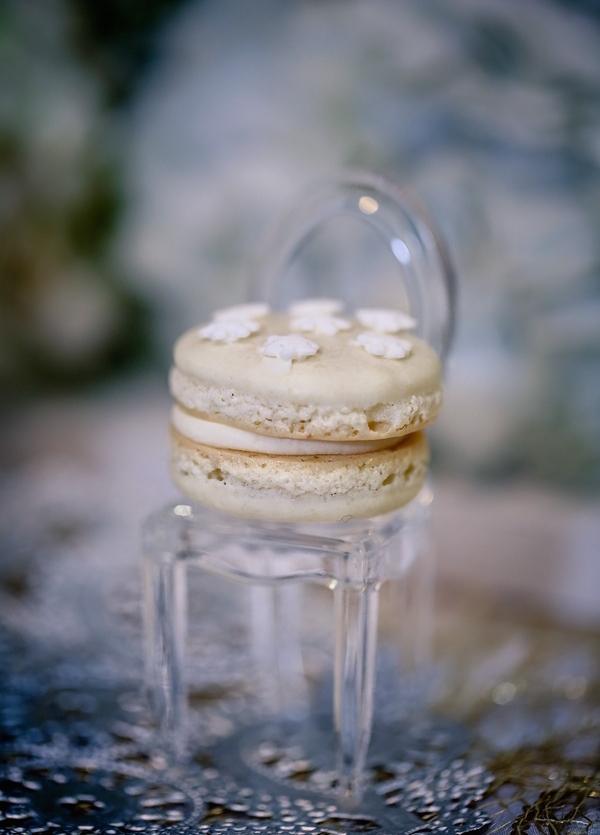 Winter White Chocolate Macarons