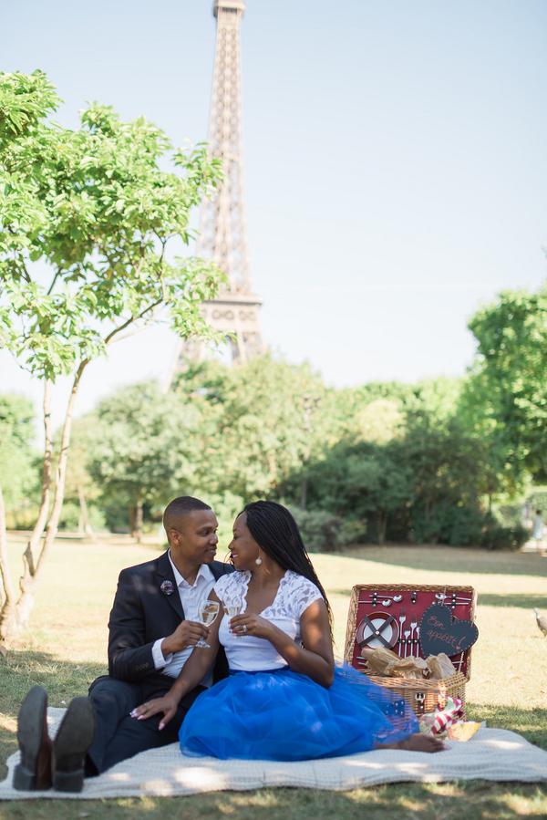 Paris Eiffel Tower Engagement Picnic 10