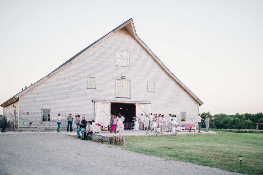Rustic meets shabby chic wedding 23