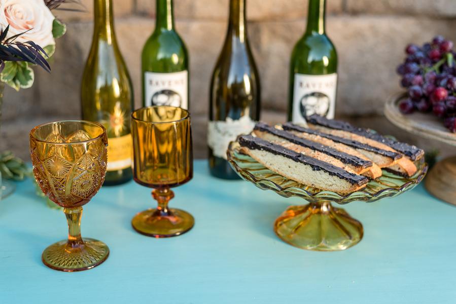 Rustic meets vintage table decor 11