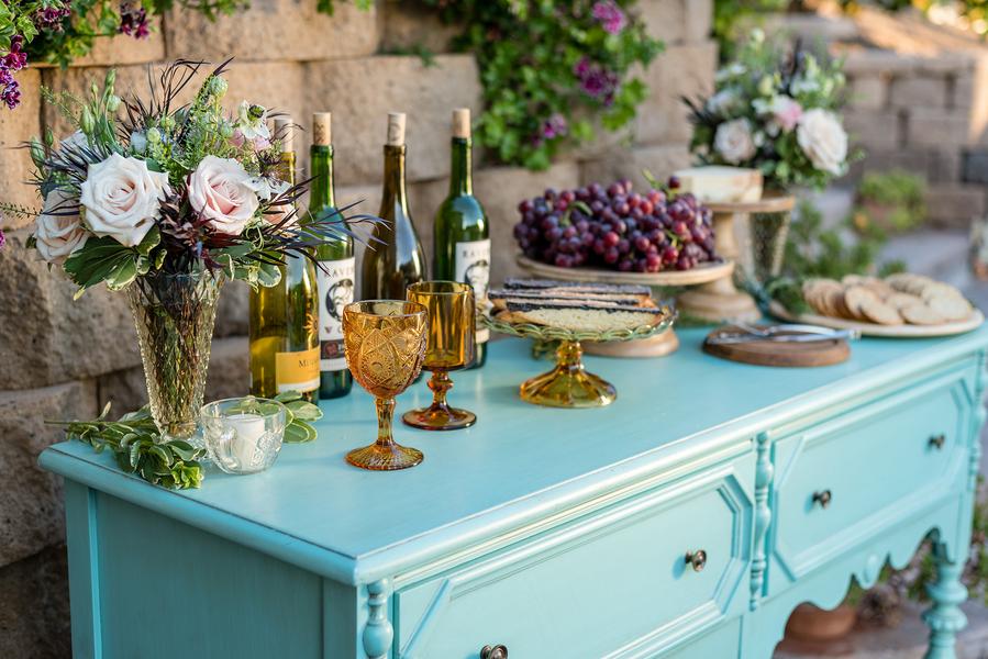 Rustic meets vintage table decor 12