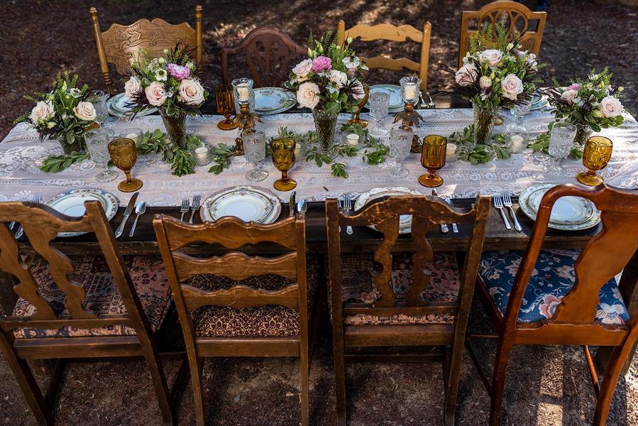 Rustic meets vintage table decor 2