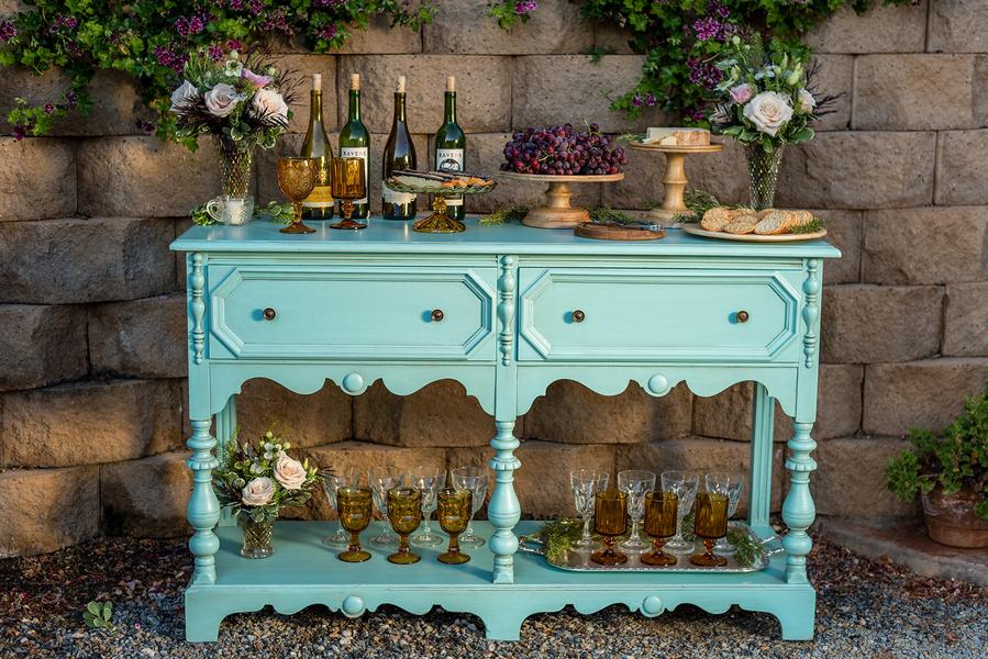 Rustic meets vintage table decor 6