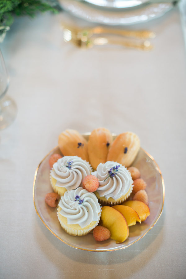 Fruity spring table decor 4 - Lavender Madeleines