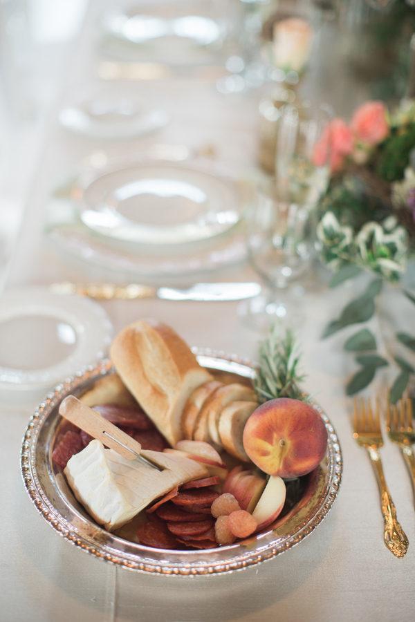 Fruity spring table decor 6