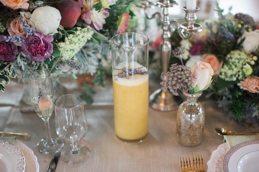 Fruity spring table decor 7