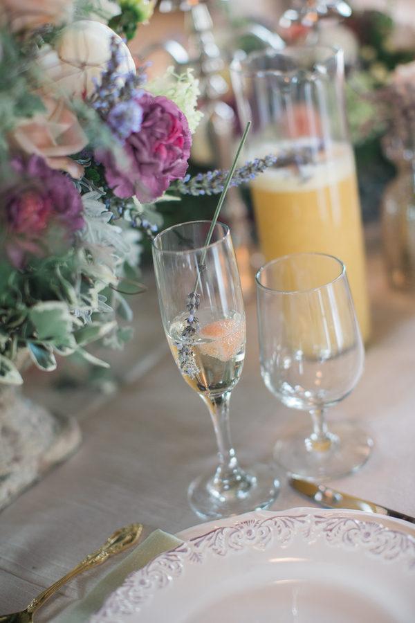 Fruity spring table decor 8