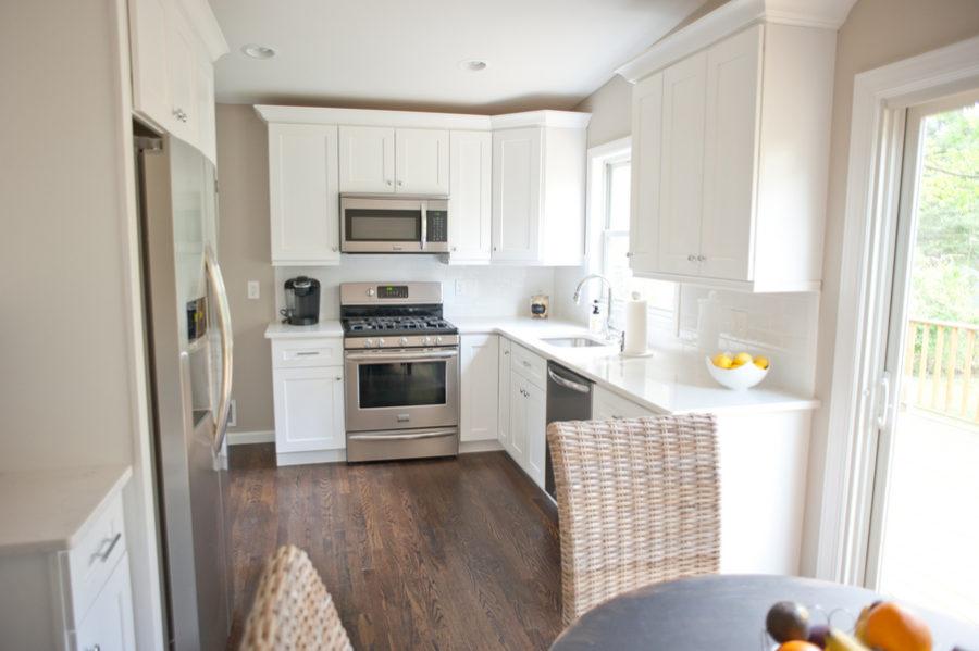 Crisp Summer Kitchen Renovation 3