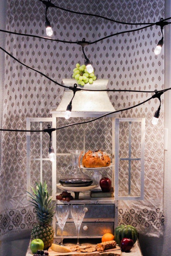 Fall entertaining with Enbrighten Café String Lights by Jasco - Autumn Entertaining at Home
