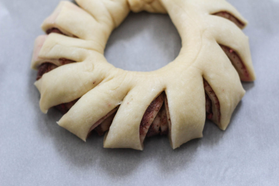 Pomegranate Rosemary Bread Wreath with Bobs Red Mill tutorial 11 - Pomegranate Rosemary Bread Wreath