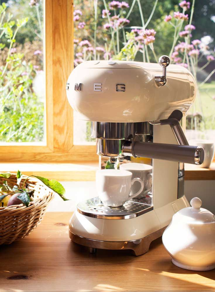 Smeg Espresso Coffee Maker - Spring Appliance Trends