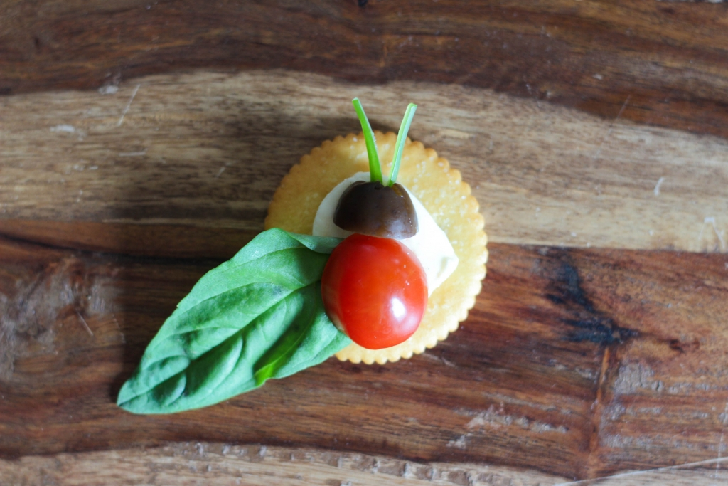 Caprese Lady Bug Ritz Crackers tutorial  1024x683 - Caprese Ladybugs