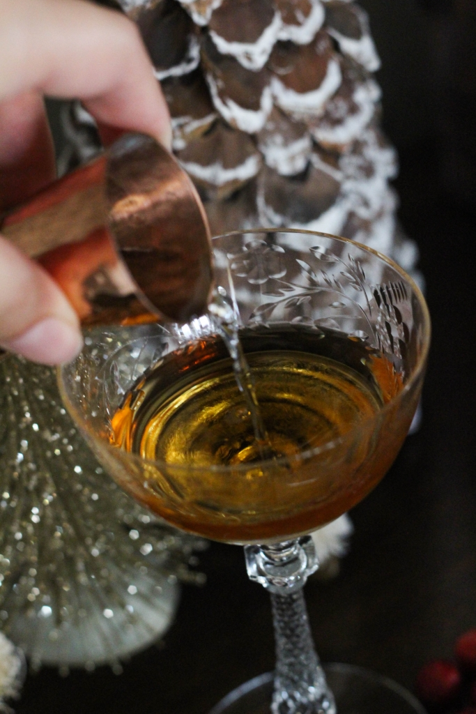 Brandy alexander, eggnog brandy alexander, cocktail