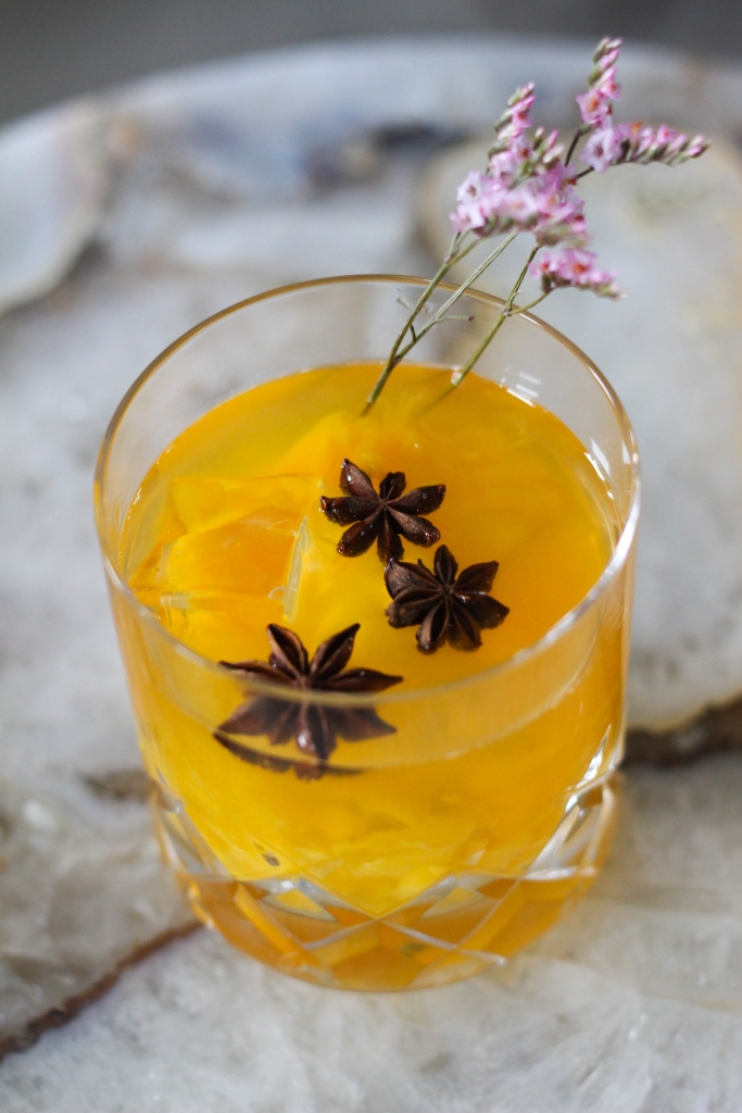 Passion Fruit Peach Gin Smash 1 2 683x1024 - Passion Fruit & Peach Smash Gin Cocktail